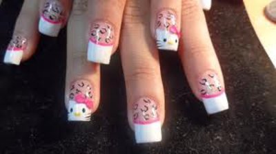 Hello Kitty Fake Nail Designs